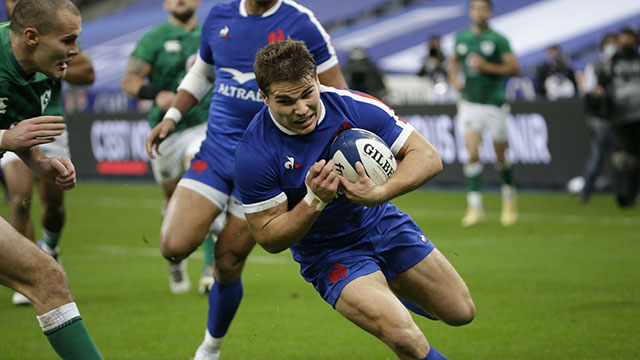 Antoine Dupont scores a try for France v Ireland in 2020 Six Nations