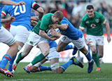 Keith Earls breaks through to score Ireland's third try against Italy in 2019 Six Nations