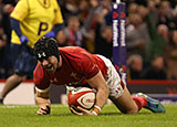 Leigh Halfpenny scoring for Wales