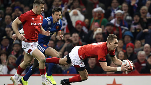 Liam Williams scores for Wales against France in Six Nations